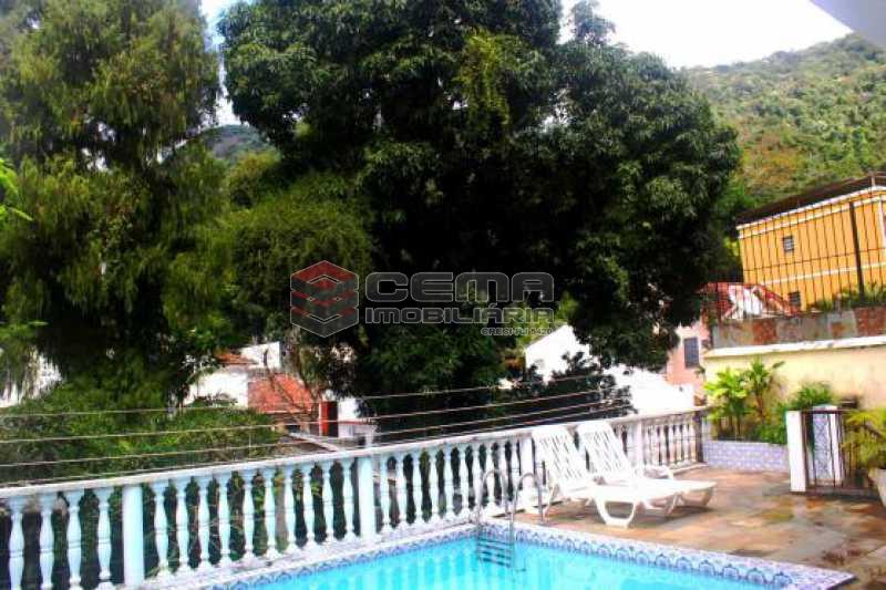 Piscina - Casa estilo sitio junto a todo verde.Salões.4 Quartos.suite. varandas. Dependência.Terraço com piscina e vaga ampla - LACA40046 - 3