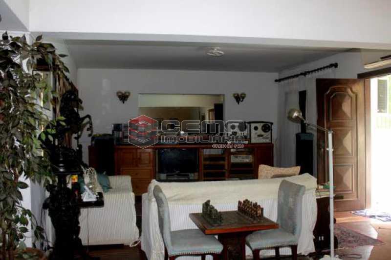 Sala - Casa estilo sitio junto a todo verde.Salões.4 Quartos.suite. varandas. Dependência.Terraço com piscina e vaga ampla - LACA40046 - 4