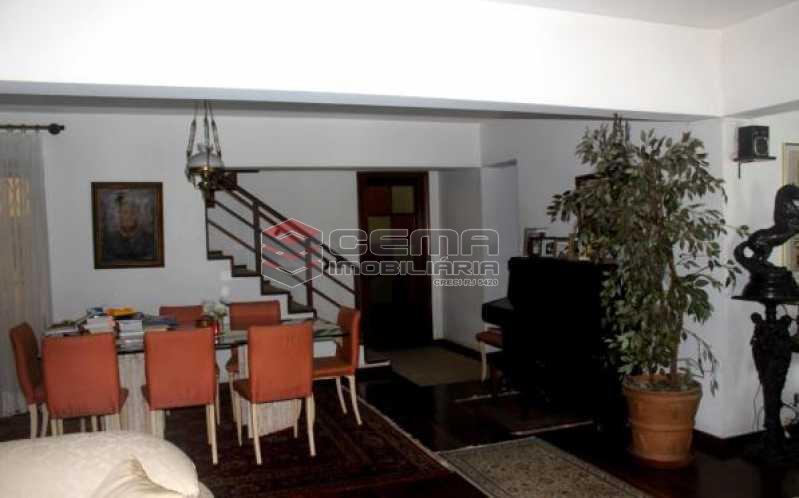 Sala2 - Casa estilo sitio junto a todo verde.Salões.4 Quartos.suite. varandas. Dependência.Terraço com piscina e vaga ampla - LACA40046 - 6