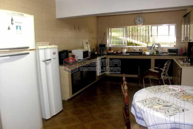 Cozinha - Casa estilo sitio junto a todo verde.Salões.4 Quartos.suite. varandas. Dependência.Terraço com piscina e vaga ampla - LACA40046 - 7