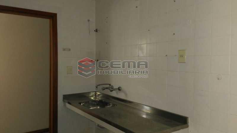 cozinha - Apartamento andar alto com vista livre e Cristo em Botafogo - LAAP11242 - 24