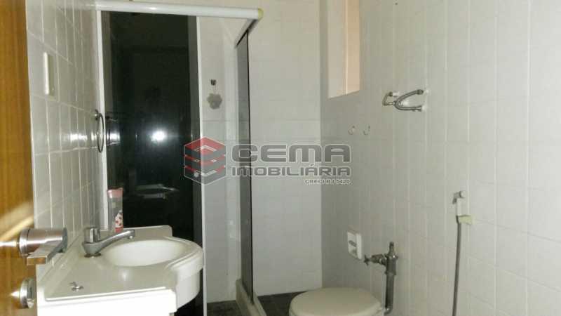 banheiro - Apartamento andar alto com vista livre e Cristo em Botafogo - LAAP11242 - 17