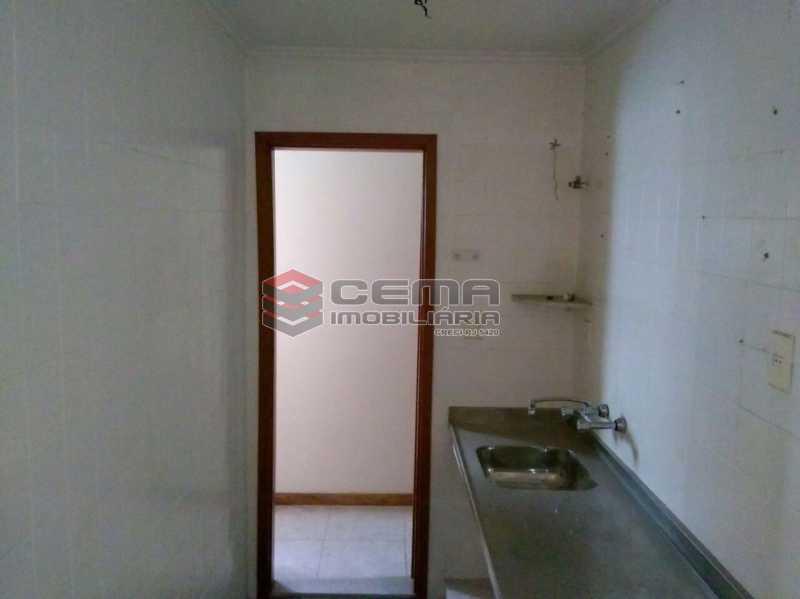 cozinha - Apartamento andar alto com vista livre e Cristo em Botafogo - LAAP11242 - 27