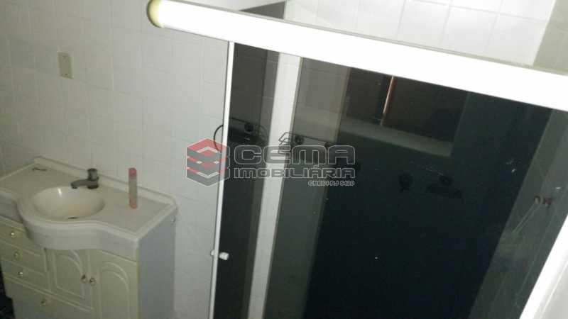 banheiro - Apartamento andar alto com vista livre e Cristo em Botafogo - LAAP11242 - 18