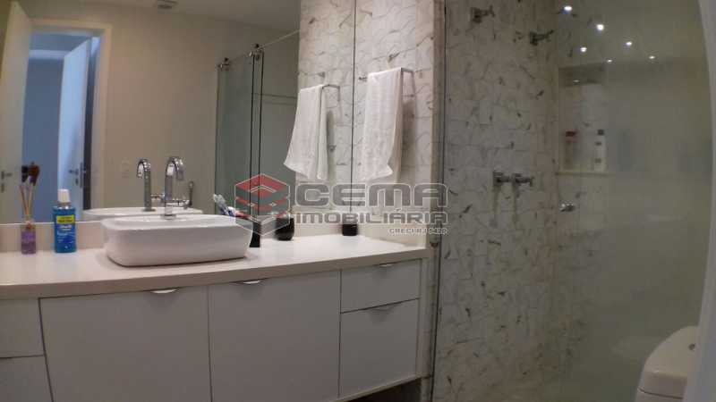 banheiro suite 3 - Apartamento À VENDA, Botafogo, Rio de Janeiro, RJ - LAAP22338 - 15