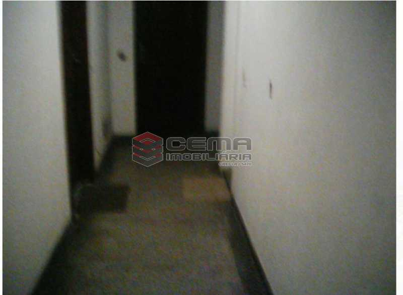 corredor do condominio - Kitnet/Conjugado À Venda - Glória - Rio de Janeiro - RJ - LAKI00830 - 16