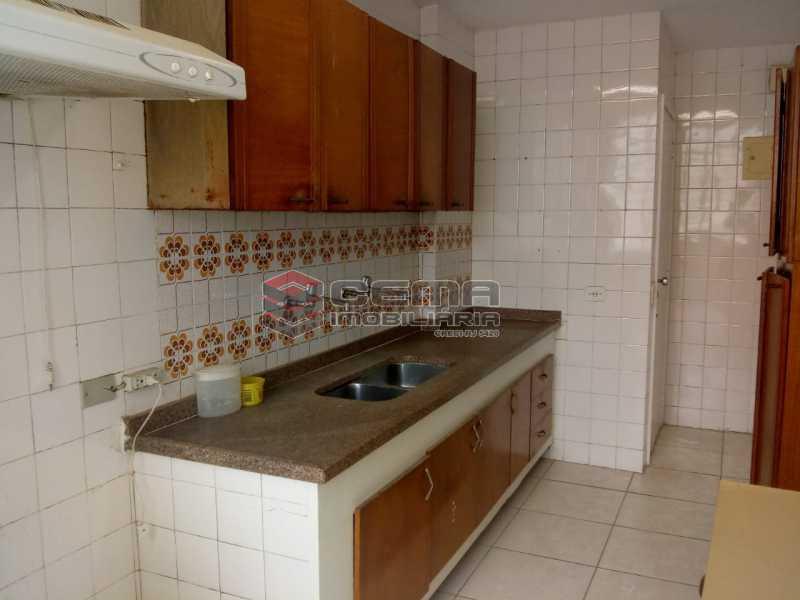 Cozinha C-Armários B - Excelente Apartamento 3 quartos com vaga no Catete - LAAP32461 - 9