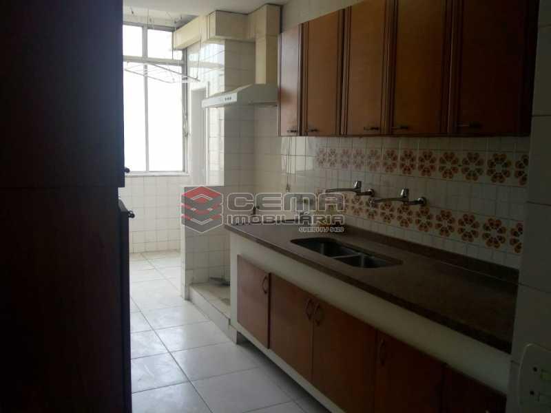 Cozinha C-Armários - Excelente Apartamento 3 quartos com vaga no Catete - LAAP32461 - 10