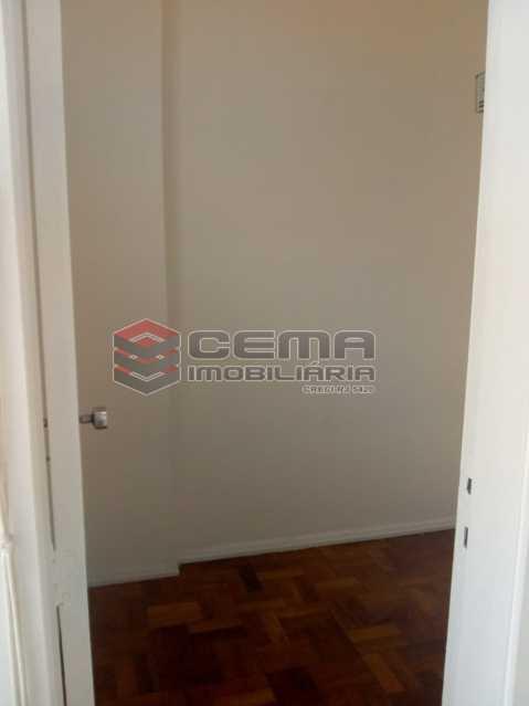 Dependencia - Excelente Apartamento 3 quartos com vaga no Catete - LAAP32461 - 11