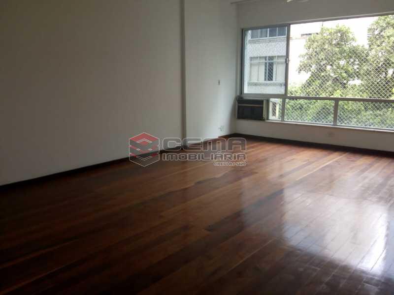 Salão Amplo B - Excelente Apartamento 3 quartos com vaga no Catete - LAAP32461 - 4