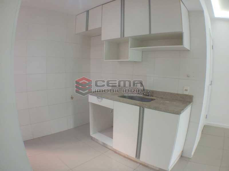 Cozinha  - Apartamento 2 quartos para alugar Catete, Zona Sul RJ - R$ 2.500 - LAAP23171 - 16