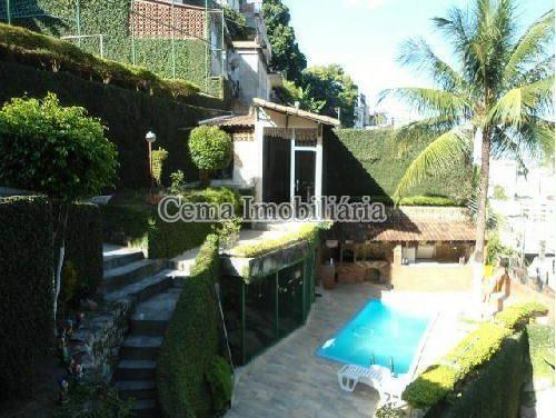 ÁREA DA PISCINA - Casa À Venda - Catete - Rio de Janeiro - RJ - LR40284 - 4
