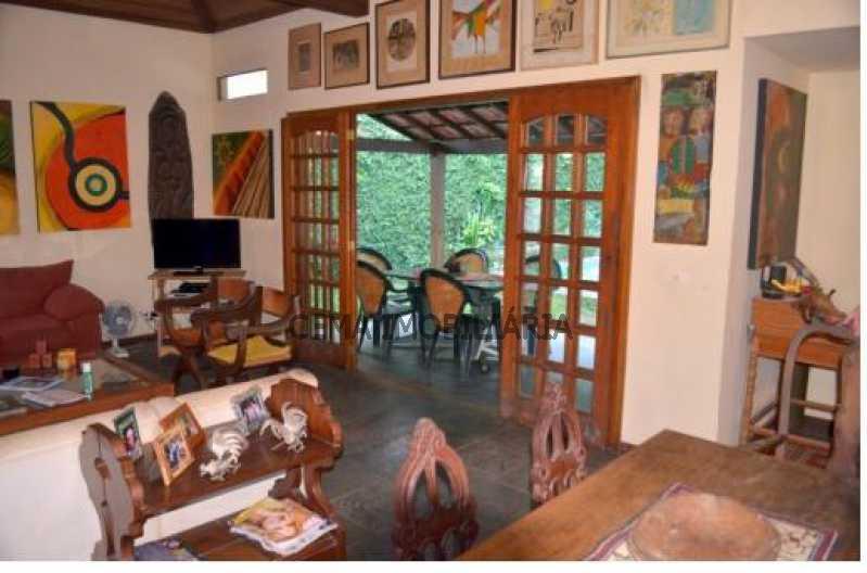 3 - LR40303 Excelente casa com vista para o verde, salão para vários ambientes COSME VELHO RJ - LR40303 - 3