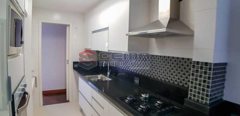 cozinha - Apartamento Para Alugar - Humaitá - Rio de Janeiro - RJ - LAAP23657 - 3