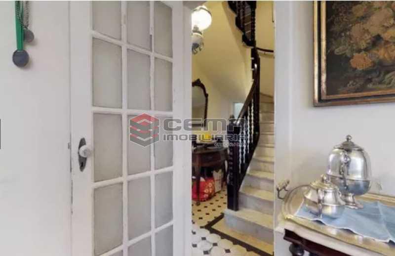 subida para os quartos - Casa à venda Rua Otávio Correia,Urca, Zona Sul RJ - R$ 2.800.000 - LACA40085 - 6