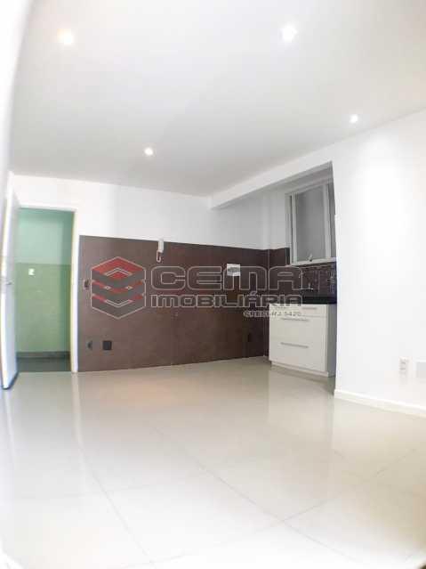 Sala/Cozinha/Esp. máq.de lavar - Conjugadão Quadra da praia, Correa Dutra - LAAP12181 - 8
