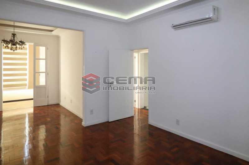 HONORIO DE BARROS 22. - 2 quartos todo reformado na rua Honório de Barros - LAAP24019 - 3