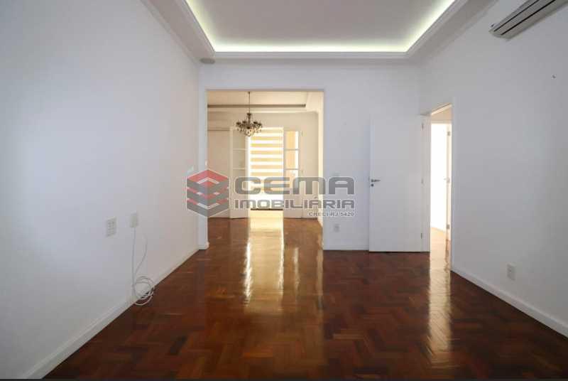 HONORIO DE BARROS 23. - 2 quartos todo reformado na rua Honório de Barros - LAAP24019 - 1