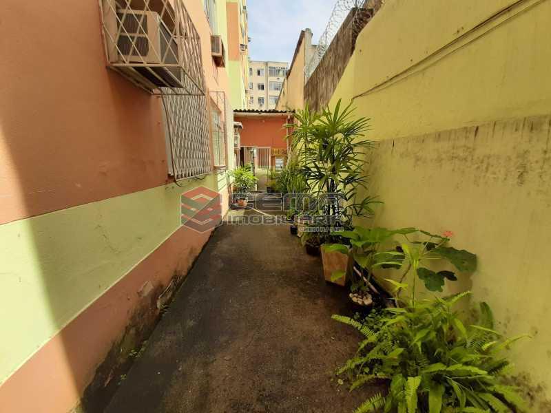 ENTRADA1 - Quarto e Sala tipo casa na rua Benjamin Constant - LAAP12386 - 10