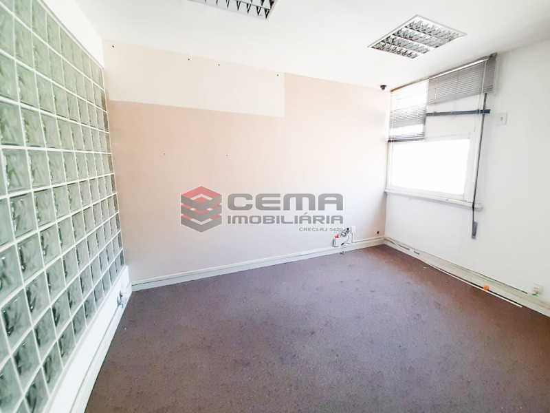 WhatsApp Image 2020-02-04 at 1 - Andar com 13 salas comerciais para alugar com 2 vagas na garagem em Copacabana, 460m. - LAAN00085 - 7