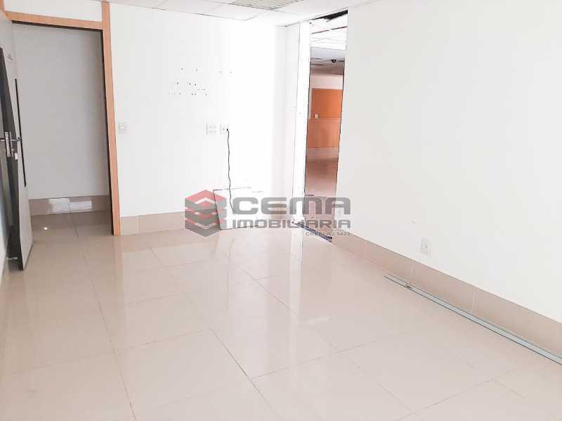 WhatsApp Image 2020-02-04 at 1 - Andar com 13 salas comerciais para alugar com 2 vagas na garagem em Copacabana, 460m. - LAAN00085 - 11