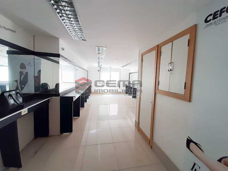WhatsApp Image 2020-02-04 at 1 - Andar com 13 salas comerciais para alugar com 2 vagas na garagem em Copacabana, 460m. - LAAN00085 - 21
