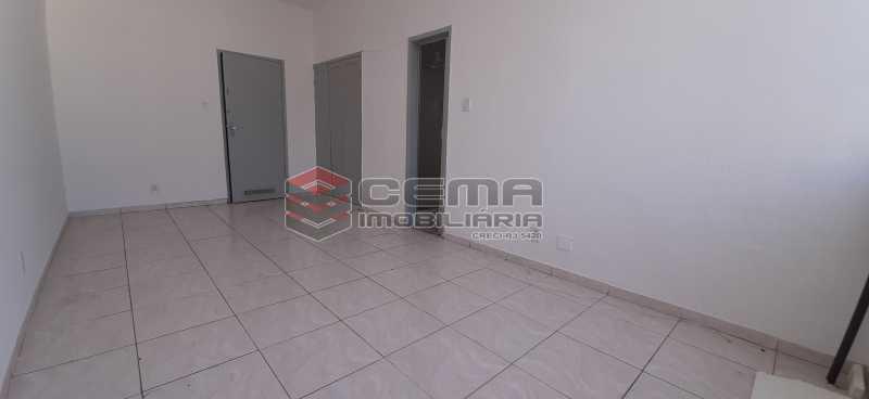 Sala - Kitnet/Conjugado 26m² para alugar Laranjeiras, Zona Sul RJ - R$ 800 - LAKI01334 - 6