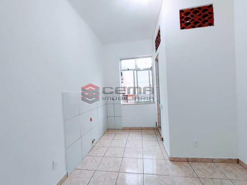 25-26 - Kitnet/Conjugado 15m² à venda Rua Dois de Dezembro,Flamengo, Zona Sul RJ - R$ 240.000 - LAKI10331 - 1