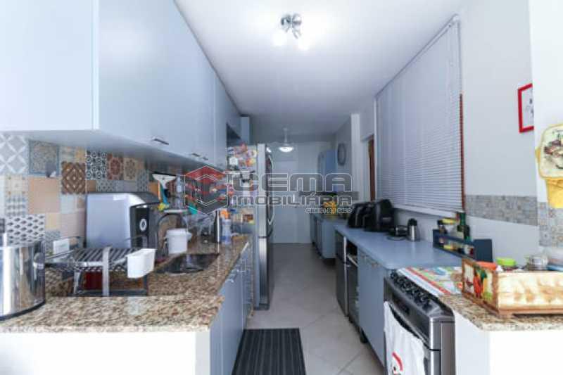 cozinha1 - Apto Laranjeiras para venda com 2 quartos, suíte, varanda, garagem e infraestrututa - LAAP24794 - 9