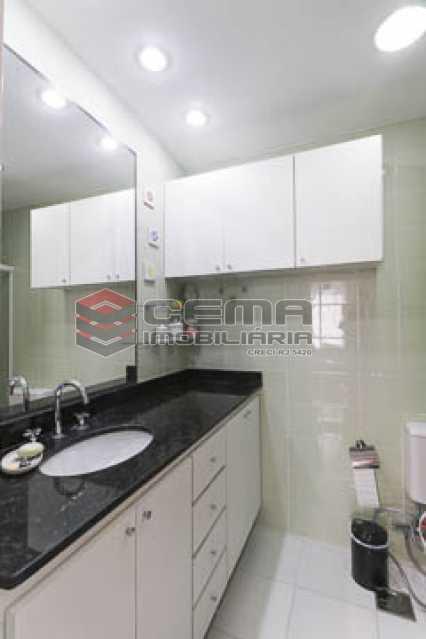 banheiro social - Apto Laranjeiras para venda com 2 quartos, suíte, varanda, garagem e infraestrututa - LAAP24794 - 15