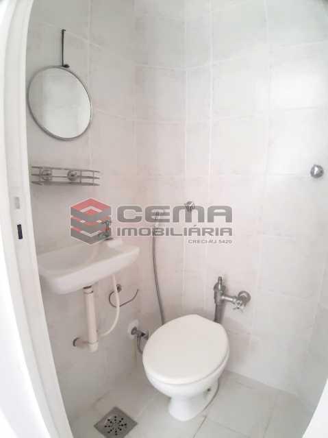 banheiro de serviço  - três quarto com vaga na região da General Glicério - LAAP34091 - 21