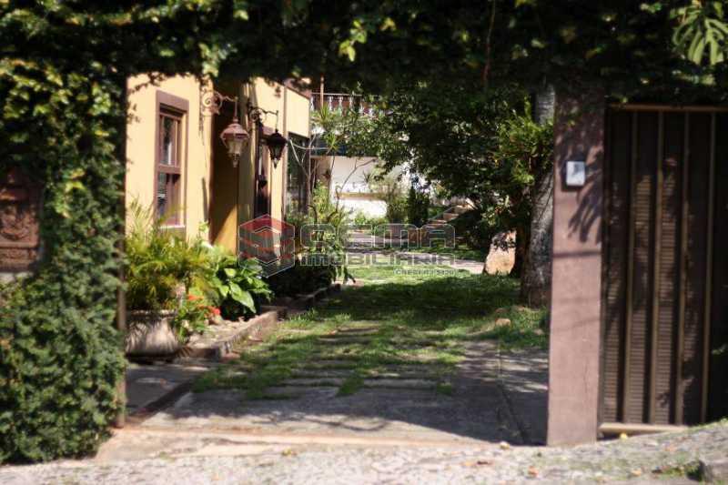 8cc895df526a4711fff14945dcff13 - Casa à venda Rua Conselheiro Lampreia,Cosme Velho, Zona Sul RJ - R$ 2.100.000 - LACA40117 - 20