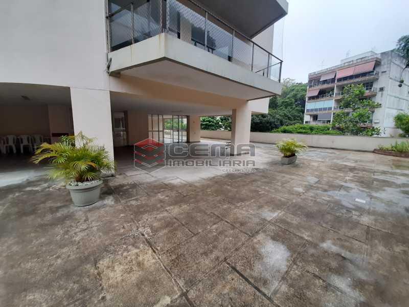 20201118_161423 - Apartamento para alugar com 1 quarto e 1 vaga na garagem em Cosme Velho, Zona Sul Rio de Janeiro RJ. 77m2 - LAAP12722 - 17