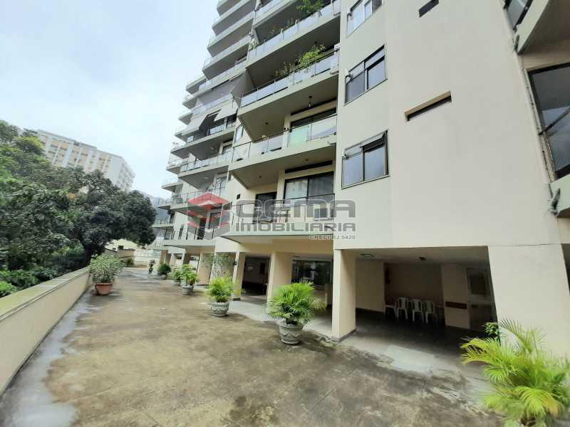 20201119_185756 - Apartamento para alugar com 1 quarto e 1 vaga na garagem em Cosme Velho, Zona Sul Rio de Janeiro RJ. 77m2 - LAAP12722 - 18