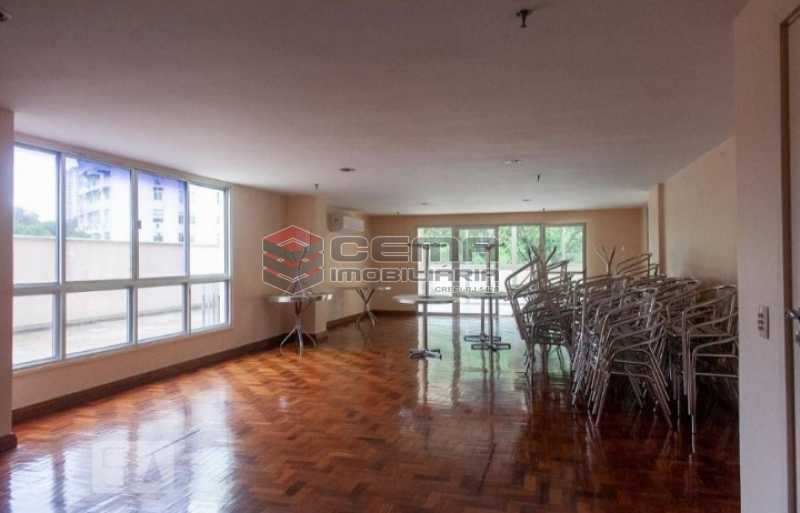 20201119_212609 - Apartamento para alugar com 1 quarto e 1 vaga na garagem em Cosme Velho, Zona Sul Rio de Janeiro RJ. 77m2 - LAAP12722 - 19