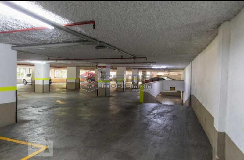 20201119_184421 - Apartamento para alugar com 1 quarto e 1 vaga na garagem em Cosme Velho, Zona Sul Rio de Janeiro RJ. 77m2 - LAAP12722 - 25