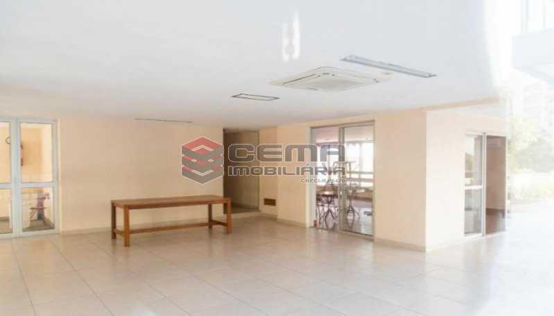 20201119_184536 - Apartamento para vender com 1 quarto e 1 vaga na garagem em Cosme Velho, Zona Sul Rio de Janeiro RJ. 77m2 - LAAP12724 - 18