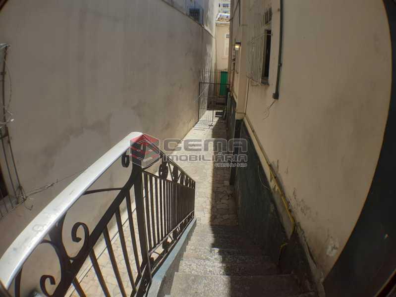 escada com acesso a casa - Casa à venda Travessa Carlos de Sá,Catete, Zona Sul RJ - R$ 1.950.000 - LACA60025 - 4