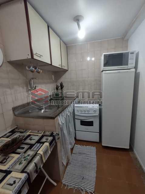 cozinha - Excelente Conjugado mobiliado no Flamengo, perto do metrô. - LAKI10383 - 12