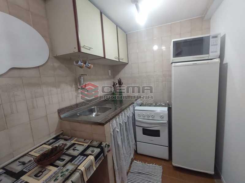 cozinha - Excelente Conjugado mobiliado no Flamengo, perto do metrô. - LAKI10383 - 13