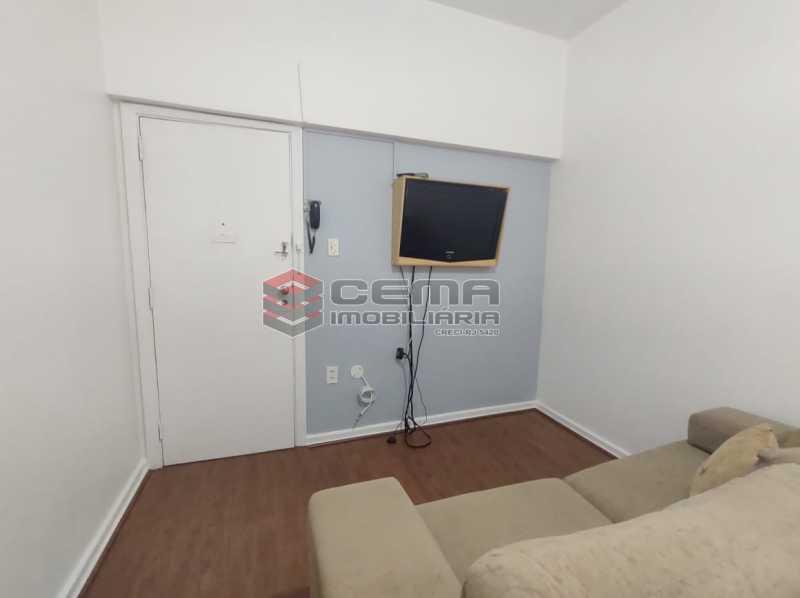 sala e quarto - Excelente Conjugado mobiliado no Flamengo, perto do metrô. - LAKI10383 - 5