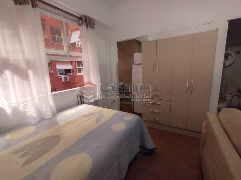 sala e quarto - Excelente Conjugado mobiliado no Flamengo, perto do metrô. - LAKI10383 - 7