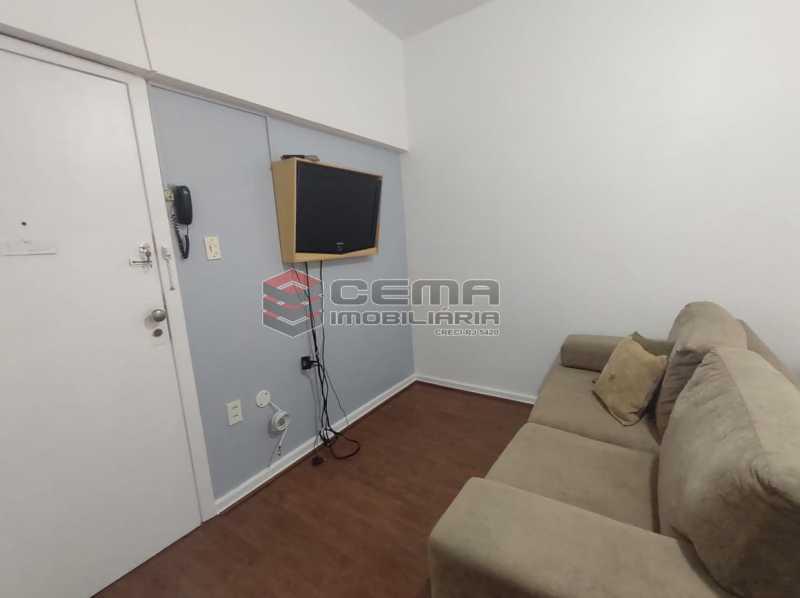sala e quarto - Excelente Conjugado mobiliado no Flamengo, perto do metrô. - LAKI10383 - 9