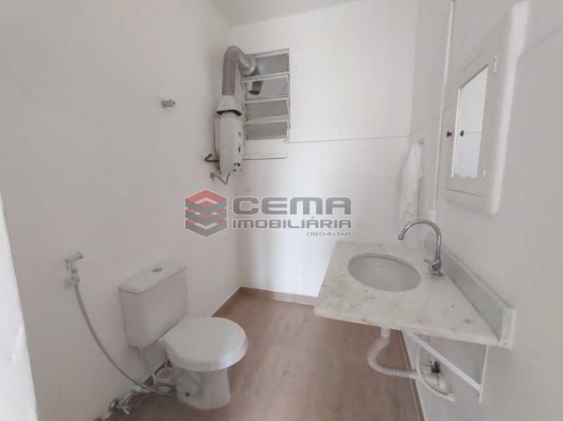 banheiro social - Excelente Apartamento Quarto e sala com vaga em Botafogo - LAAP12842 - 10
