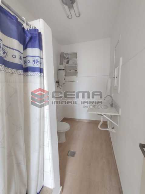 banheiro social - Excelente Apartamento Quarto e sala com vaga em Botafogo - LAAP12842 - 12