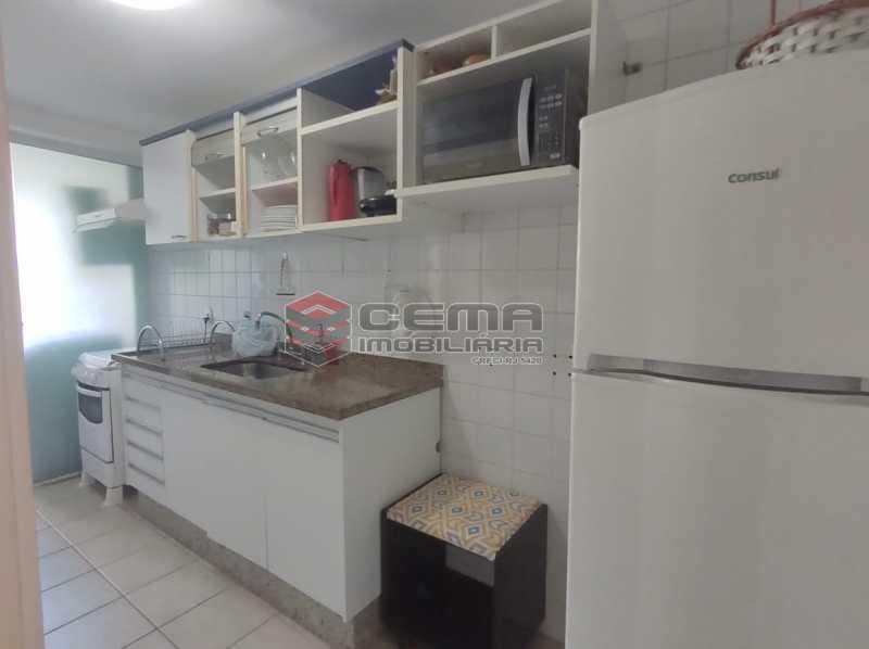 cozinha - Excelente Apartamento MOBILIADO com 2 quartos, suíte e vaga em Botafogo - LAAP25099 - 20