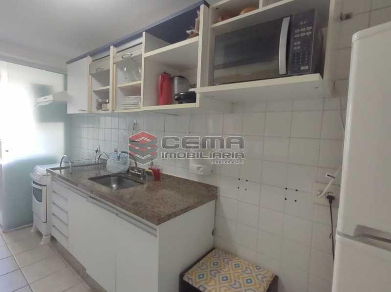 cozinha - Excelente Apartamento MOBILIADO com 2 quartos, suíte e vaga em Botafogo - LAAP25099 - 21