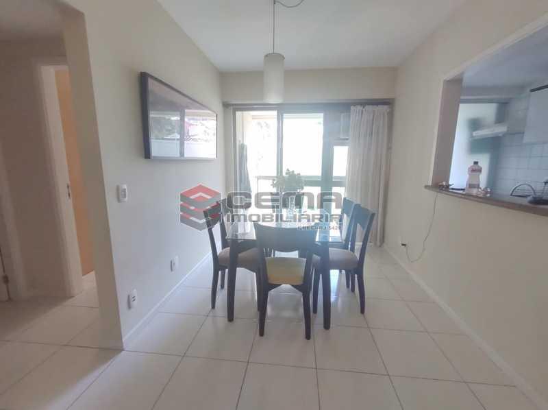 sala - Excelente Apartamento MOBILIADO com 2 quartos, suíte e vaga em Botafogo - LAAP25099 - 3