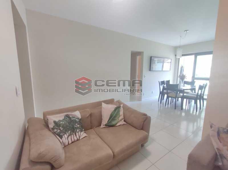 sala - Excelente Apartamento MOBILIADO com 2 quartos, suíte e vaga em Botafogo - LAAP25099 - 6