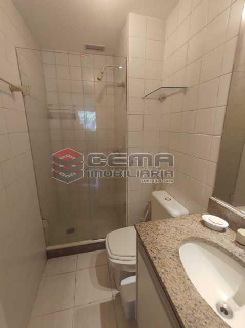 banheiro social - Excelente Apartamento MOBILIADO com 2 quartos, suíte e vaga em Botafogo - LAAP25099 - 18